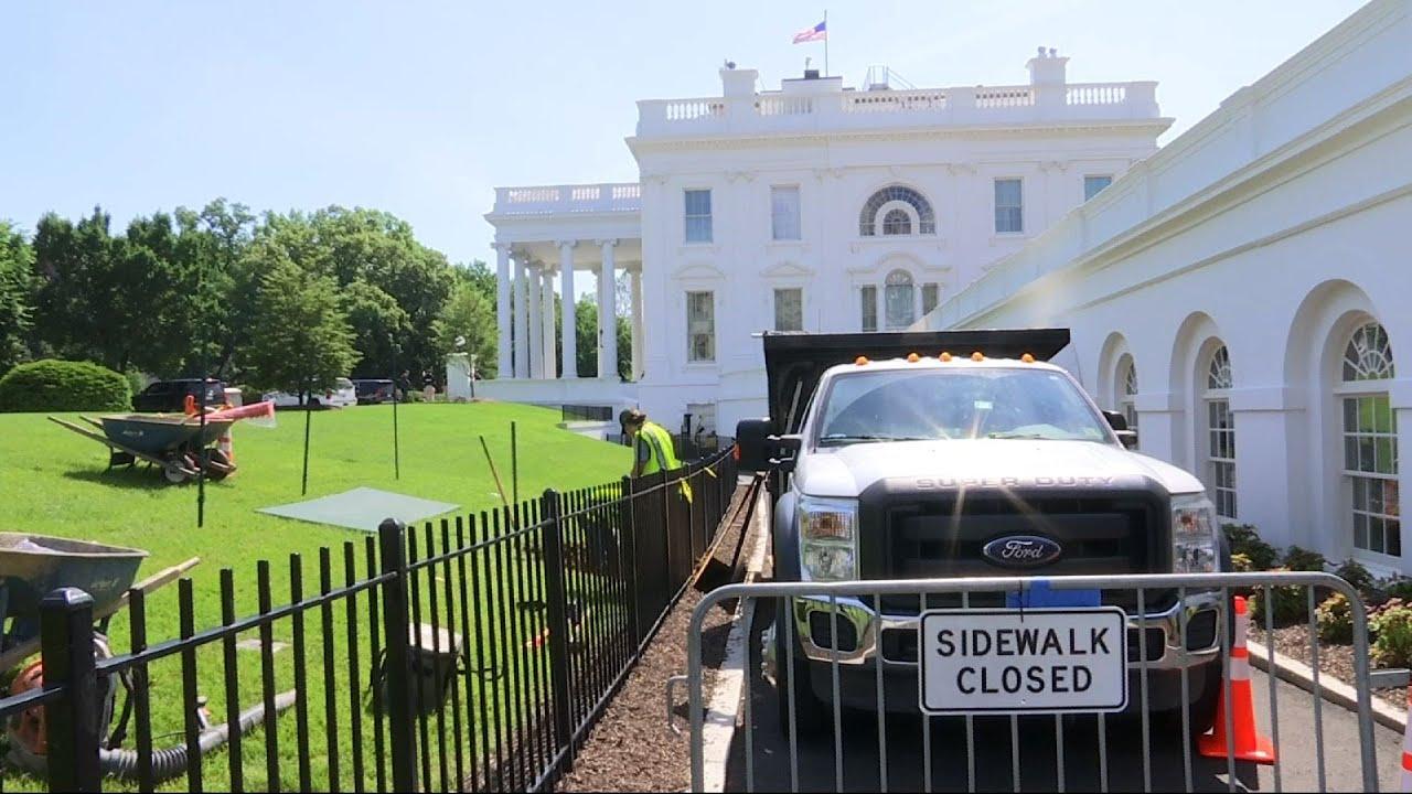 crews-work-to-repair-white-house-lawn-sinkhole