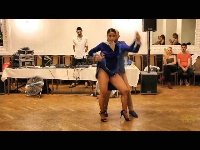 Смотреть видео ВОТ ЭТО ТАНЕЦ!!! *Ataca & La Alemana*  танцуют Цыганочку!!! Микс *2018*