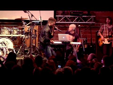 "Chris Lane Live From Brick Street ""Broken Windshield View"""