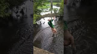 Download Video Mandi di sungai desah paldas MP3 3GP MP4