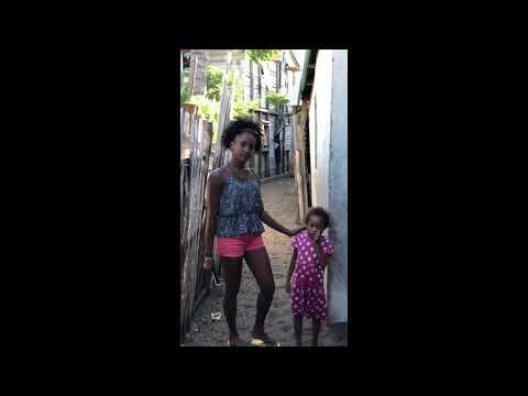 Madagascar Morondava:quartiere popolare