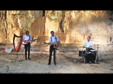 Newcastle and Hunter Valley Wedding Band - Janey's Alibi
