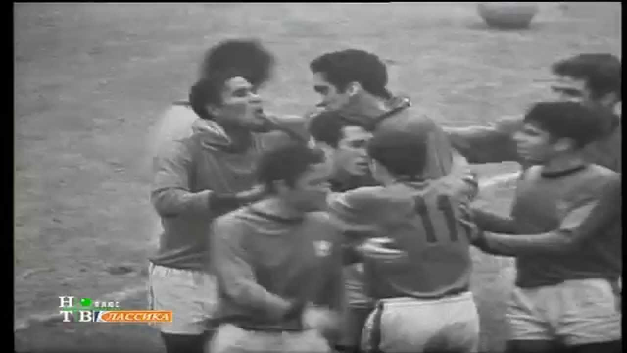 Alexandre Baptista (Sporting) no Portugal - 5 x Coreia do Norte - 3 do Mundial 1966 1/4 Final