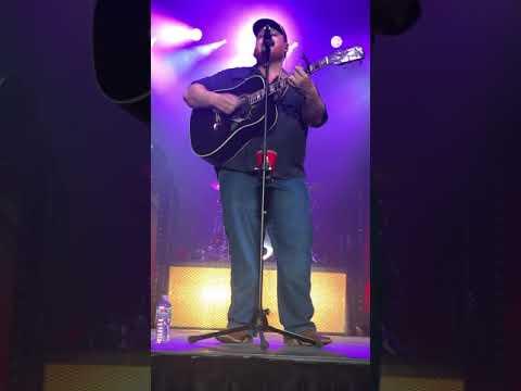 Luke Combs - Houston We Got a Problem - Irvine, CA 4/5/18