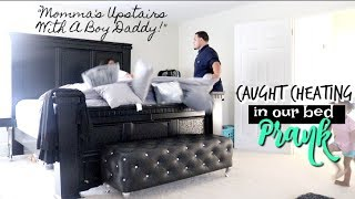 "Video ""Momma's Upstairs With A Boy! DADDY!"" Cheating Prank On Boyfriend download MP3, 3GP, MP4, WEBM, AVI, FLV Oktober 2017"