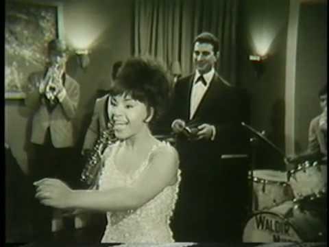 Elza Soares - O Neguinho e a Senhorinha (Clipe) - 1965