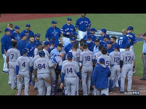 TEX@TOR Gm5: Blue Jays take lead in a wild 7th inning