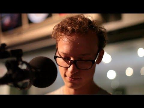 """Ben Sollee """"DIY"""" Live on Soundcheck"""