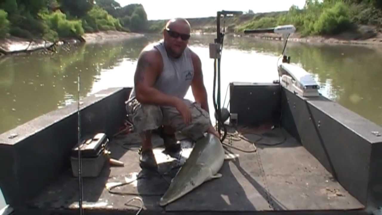 Trinity river alligator gar with gar fishing addiction for Trinity river fishing spots