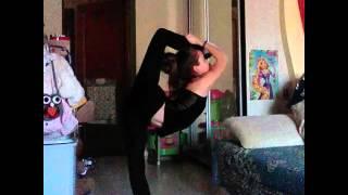 Первое видео. Я гимнастка ???(Мои соц.сети Я в ВК http://vk.com/id282961182., 2016-04-02T18:08:19.000Z)
