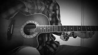 ギターのチューニング少し高い.