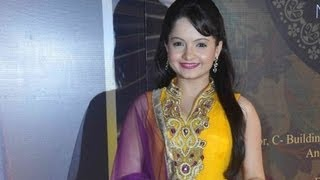 Giaa Manek From Jeannie Aur Juju @ 2013 Boroplus Gold Awards