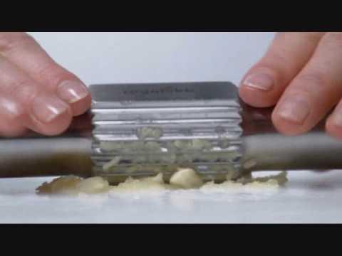 royal vkb garlic crusher youtube. Black Bedroom Furniture Sets. Home Design Ideas
