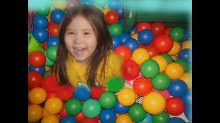 Классная игровая площадка Развлечения для детей Алина веселится