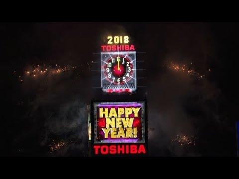 new year ball drop on new yorks times square