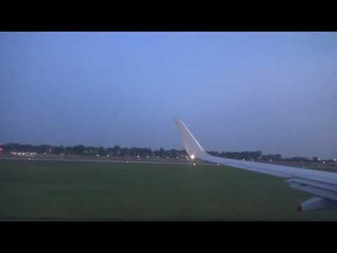 SilkAir Boeing 737-8SA Taxi and Takeoff from Singapore - Changi Int'l (SIN/WSSS)