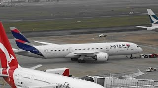 [Rainy Takeoff] - Latam Airlines B787-9 Dreamliner push-back/startup /takeoff I Sydney Airport