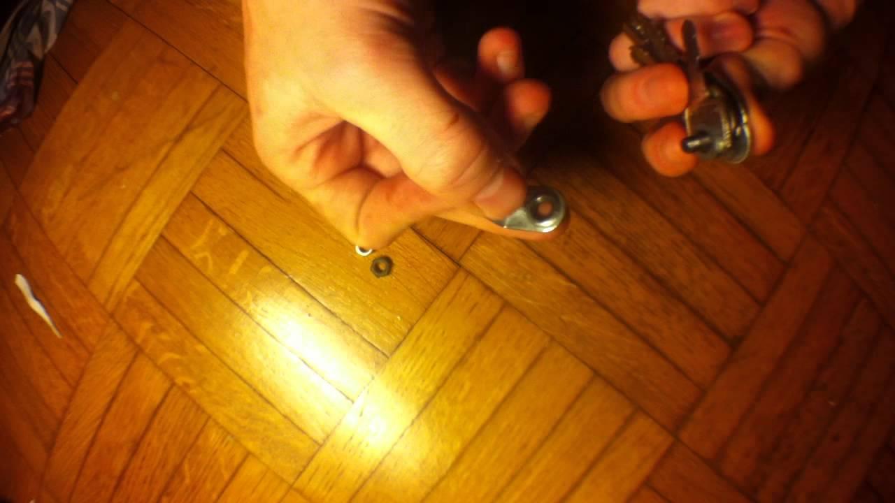 Favori Fabriquer un porte clef avec des vis et des boulons - YouTube VM21