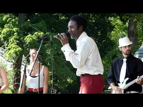 Aloe Blacc - I Need a Dollar - Live - Central Park Summerstage, New York City