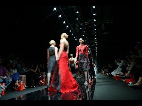 Diane Von Furstenberg opens Singapore Fashion Week 2015