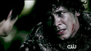 We can't lose Clarke! We can't lose her... THE 100 [3X02] (HD)