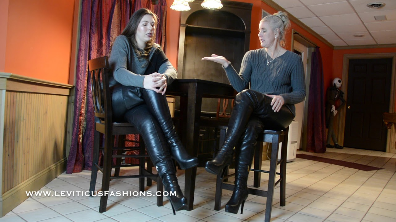Louise black boots in the bed - 1 7