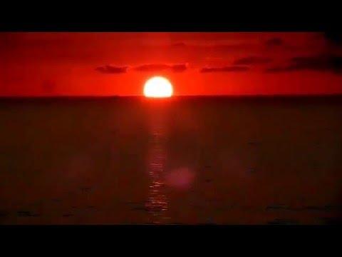 Восход солнца на экваторе.