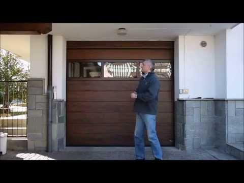 Portone coibentato sezionale con pannello vetrato youtube for Garage con soffitta