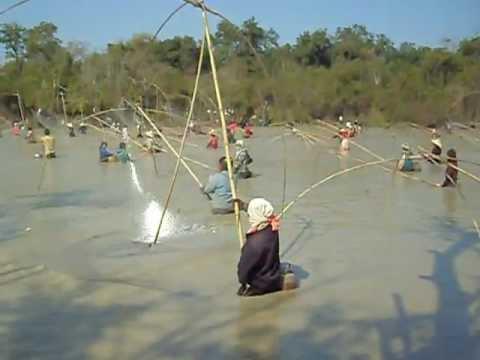 Lao Style Fishing...