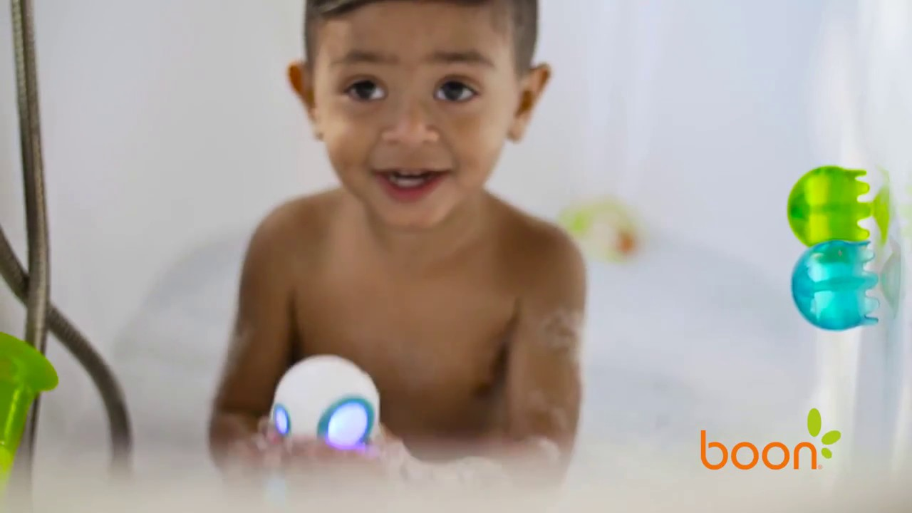 Boon Marco Light Up Bath Toy - YouTube