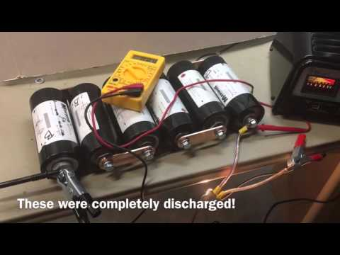 vote no on replacing my car battery capacitors 12v charging discharged boostcap ultracapacitor maxwell capacitor 2 5v 2600f car audio