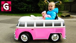 The Wheels on The Bus / Baby Nursery Rhymes Song