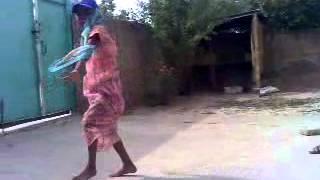 узбекский танцор диско(видео, добавленное с мобильного телефона., 2013-06-13T04:28:01.000Z)