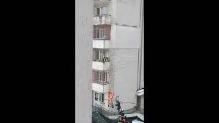 видео Пожарная лестница на балконе: монтаж своими руками, фото