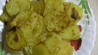 Картофель с луком запеченый в духовке Рецепт вкусной картошки Вкусно и просто