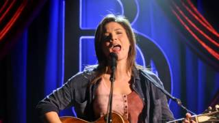 "Jeananne Goossen (Vita) Sings ""Down the Line"" - Nashville"