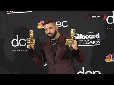 Drake shows off his 12 Awards at 2019 Billboard Music Awards