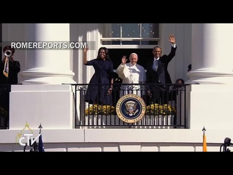 Pope Francis and President Obama exchange compliments at the White House