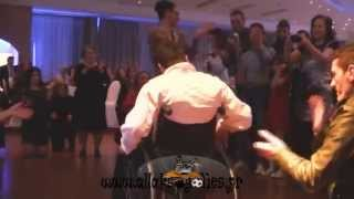 Δύναμη ψυχής : Ο Παναγιώτης σηκώθηκε από το αμαξίδιο και χόρεψε ζεϊμπέκικο [Video]