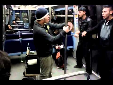 Metro in paris rapeur danceur funny part2!!