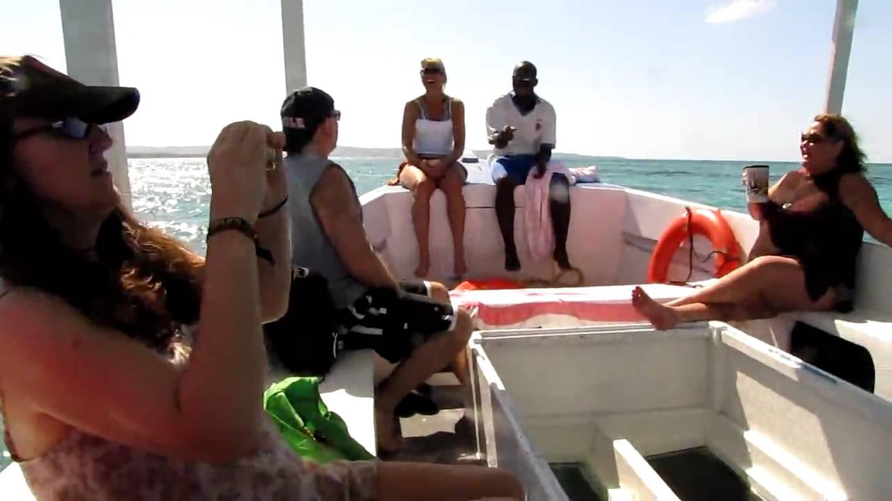 Glass bottom boat ride plus under sea view in Jamaica 🇯🇲🇯🇲