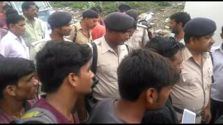 22 lakh looted from cash van in jehanabad
