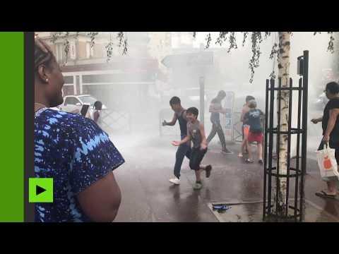 Une bouche à incendie transformée en geyser anime les rues parisiennes