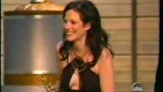 Mary-Louise Parker wins Emmy 2004