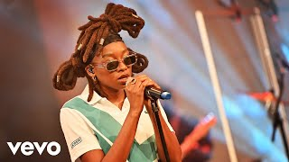 LIttle Simz - Lost Without U (Robin Thicke cover) in the Live Lounge
