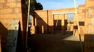 Ukończenie murowania ścian parteru. Domek parterowy cena