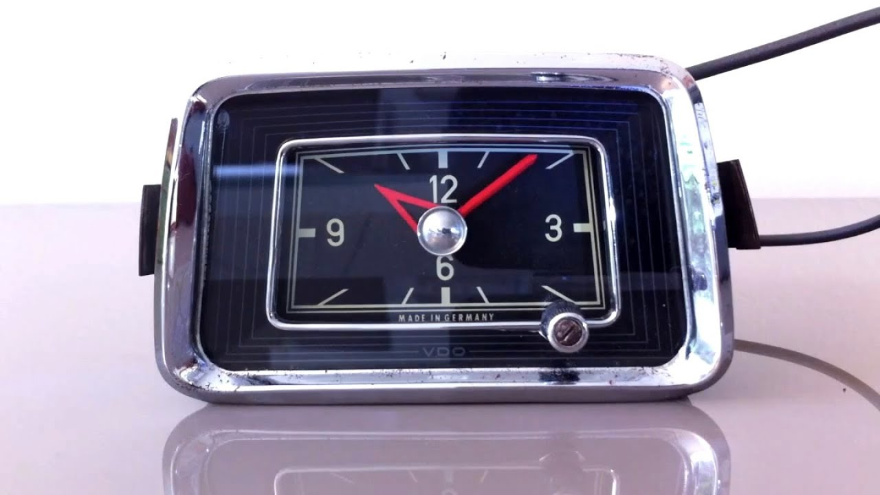 Mercedes benz 220 ponton dash clock 1954 1960 youtube for Mercedes benz clock