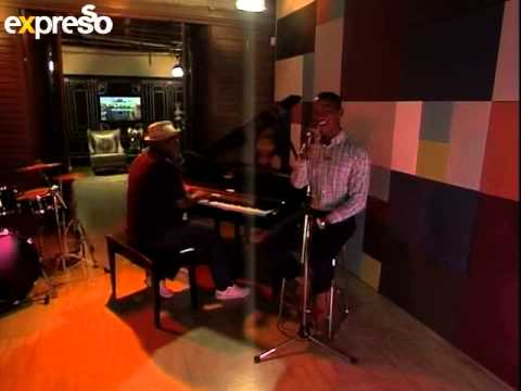 Sipho 'Hotstix' Mabuse performs