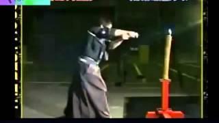 Kiếm sĩ Samurai hàng đầu Nhật Bản chém đứt viên đạn