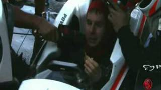 "Will Power eating ""banana and honey"" inside of his Penske´s cockpit at SP Indy 300 2010"